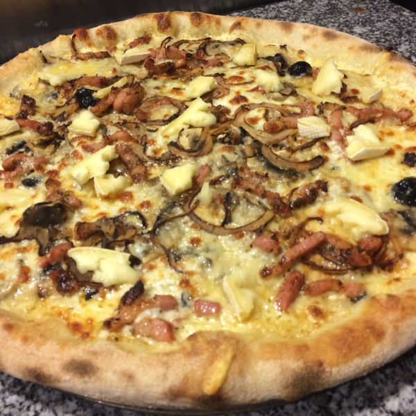 Pizza du Moment : LA TARTIFLETTE DU 13 février au  24 février 2018.